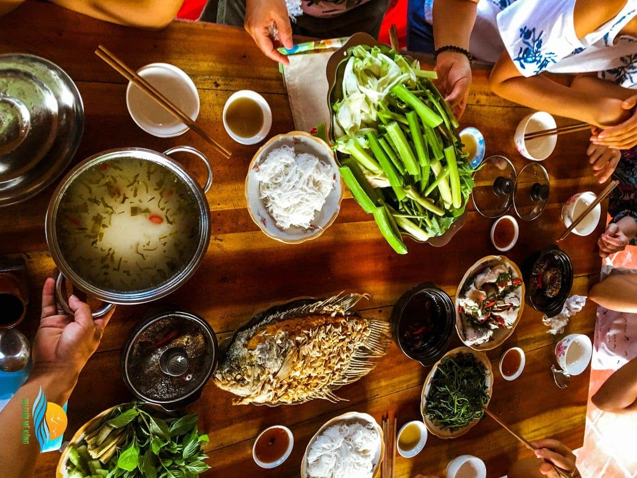 Bữa ăn dân dã miền Tây tại Cồn Sơn - Tour Cần Thơ 2 ngày 1 đêm