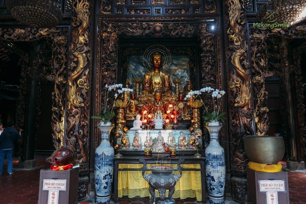 Chánh điện chùa Vĩnh Tràng