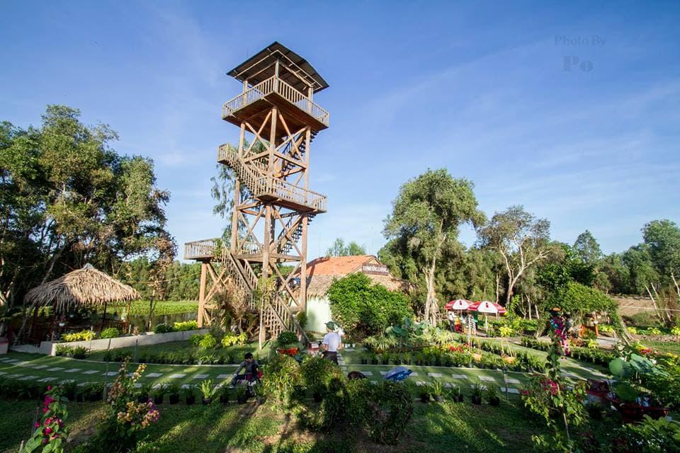 Tháp quan sát ở vườn quốc gia Tràm Chim